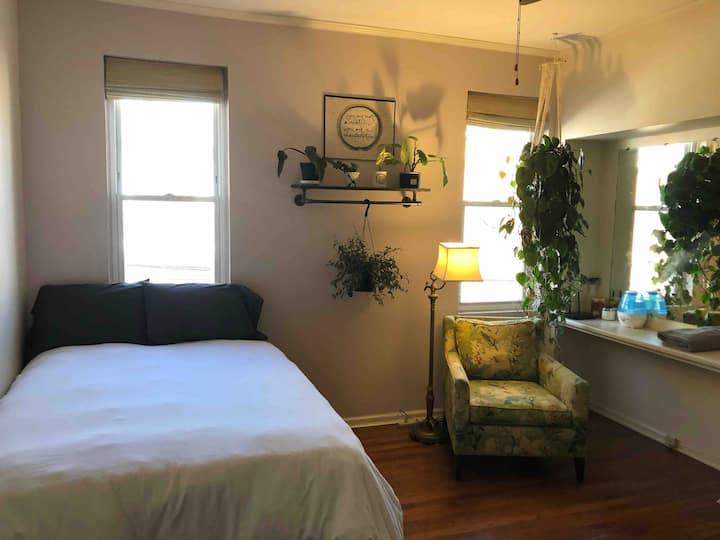 Convenient + Cozy Room in Safe Neighborhood