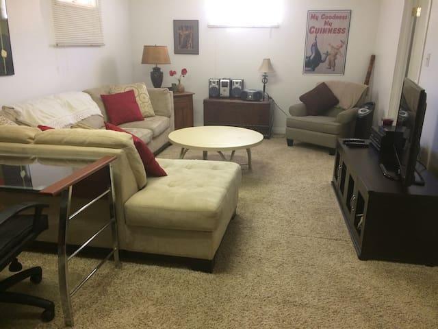 Grant Ave. Getaway -3 Bedroom Basement Level Suite