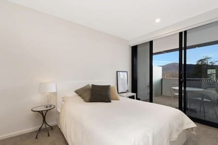 1BD in the centre of Canberra - Daire