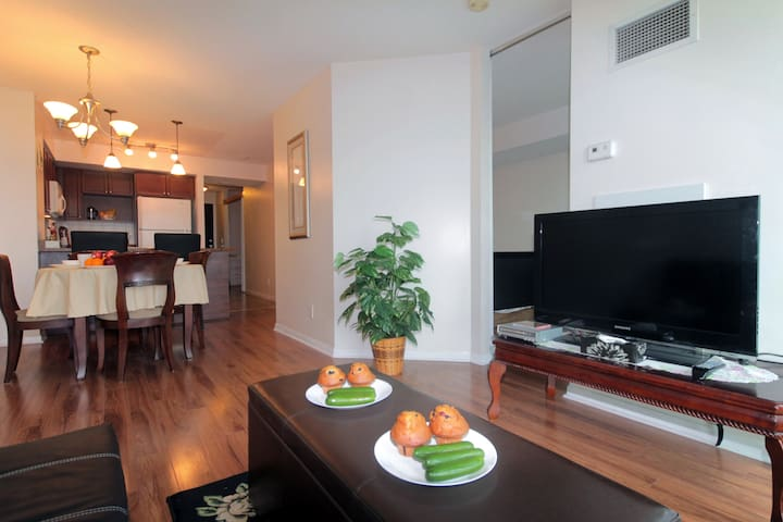 2bd/2bth Luxury & Beautiful - Toronto
