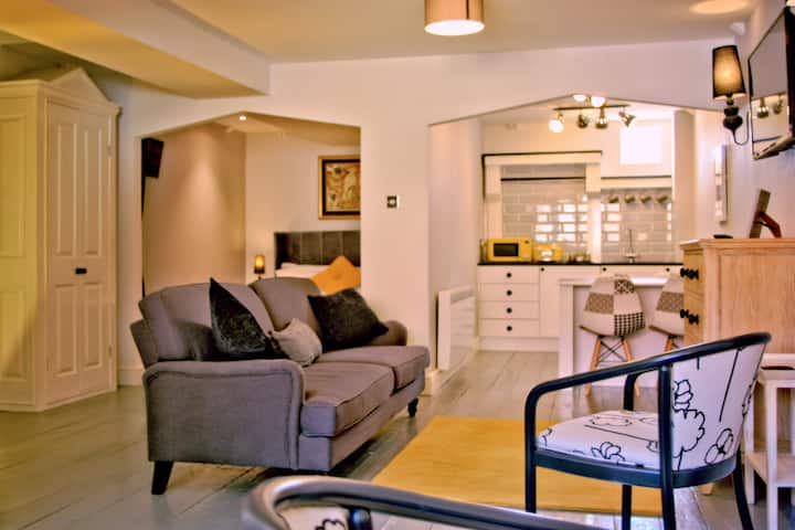 Ely city centre, luxury self-catering, Apt. 3 of 3