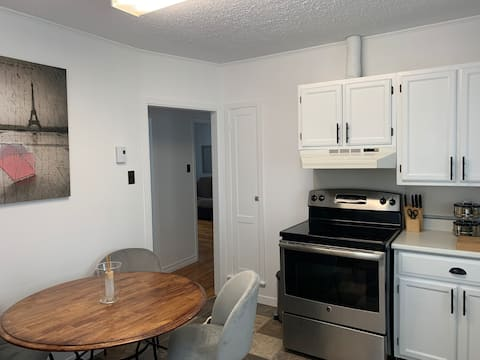 Great Location  2 bedroom apartment