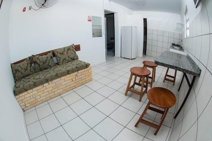 Apartamento com 02 quartos e cozinha A