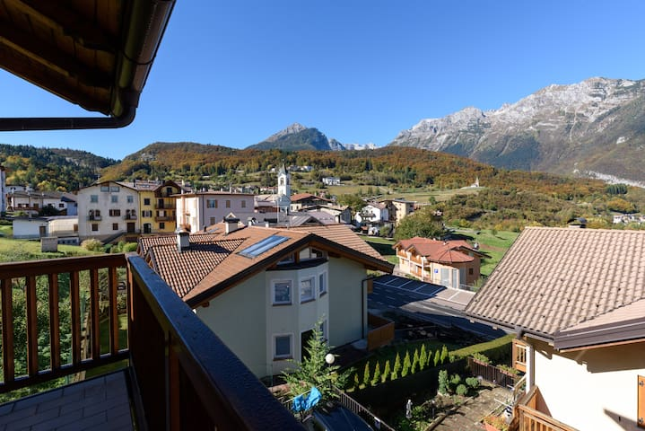 Modern flat,  amazing DOLOMITI views (1-6 guests) - Cavedago - Apartment