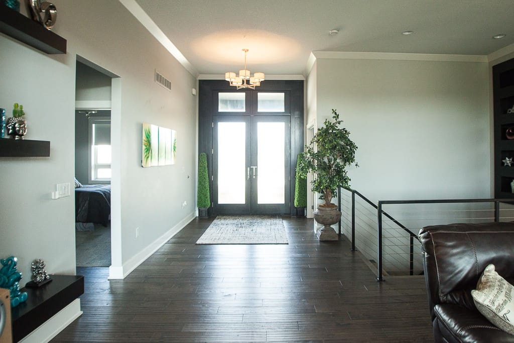 Front Entry / Foyer