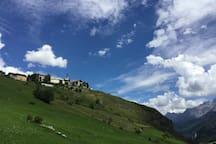 Guarda is located on a sun terrace