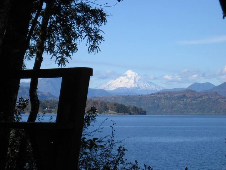 Preciosa vista y acceso propio al lago Calafquen.