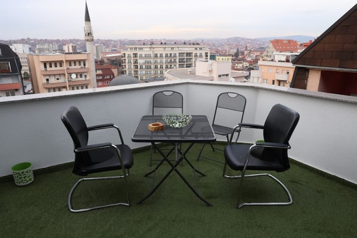 ORA-PRN, cosy apartment in the city centre