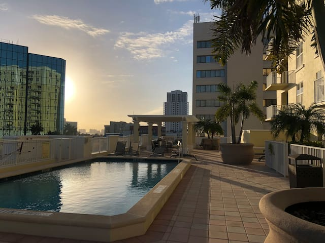 Spacious &beautiful condo CLEARWATER, 2 BED/2 BATH