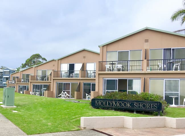 Mollymook Shores and Conference Centre