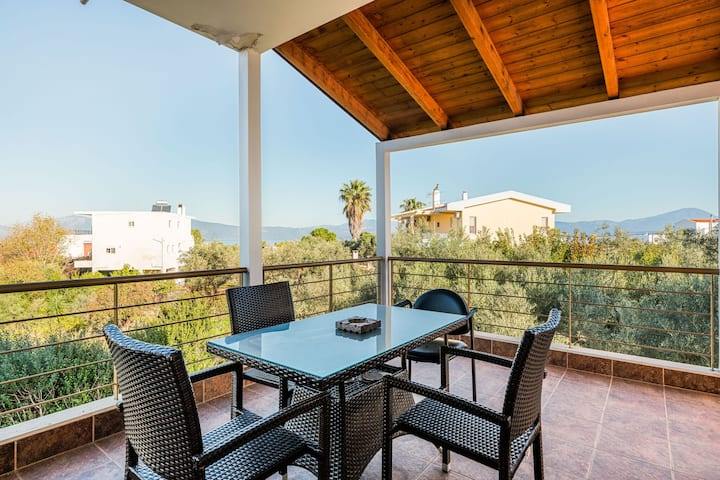 Inviting Holiday Home in Chalkida with Terrace