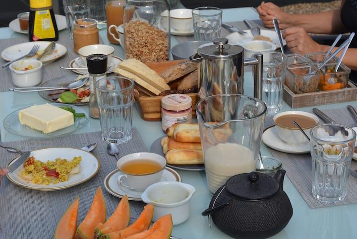 """""""GUTE ZEIT""""  Bed & Breakfast"""