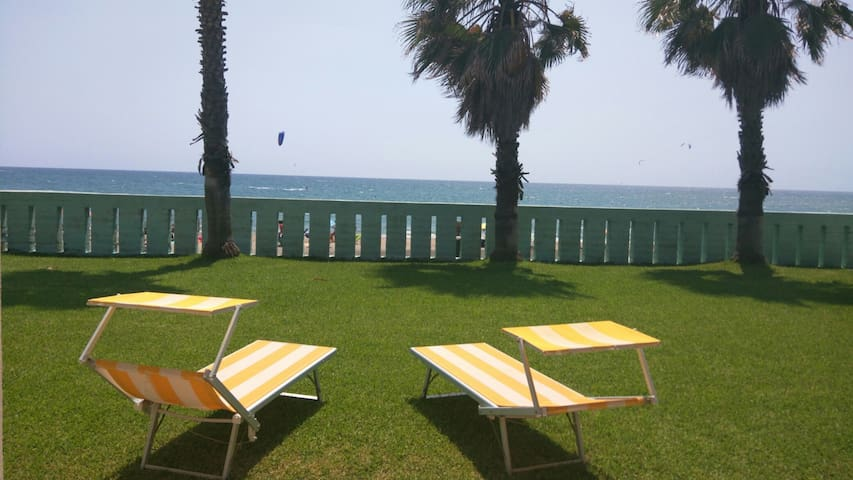 Dream villa on the beach with pool - Salto di Fondi  - Villa