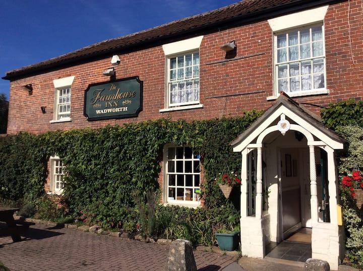 Farmhouse Inn, Southwick, Trowbridge, Wiltshire 4