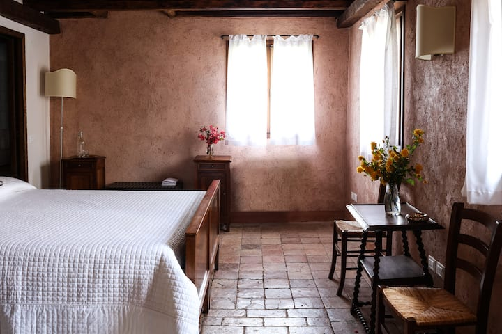 Double Room in a Venetian Villa