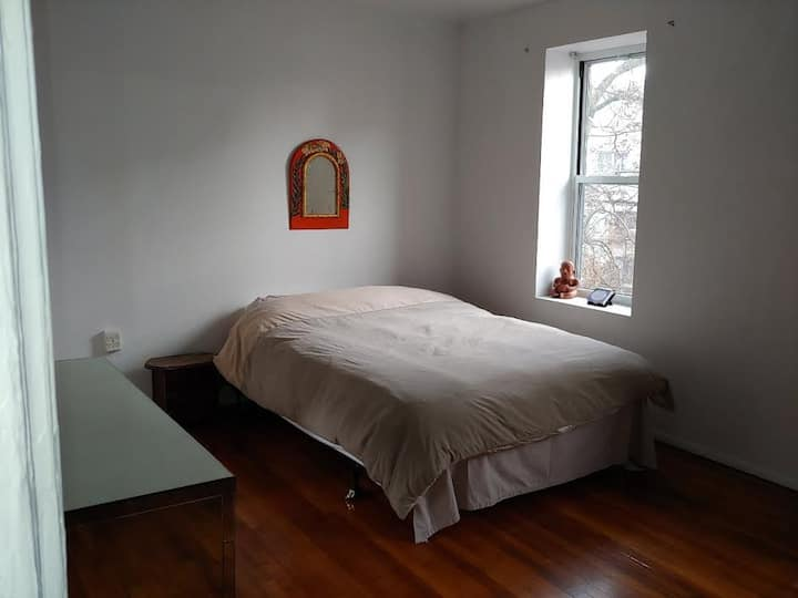 Big bedroom in front of the park