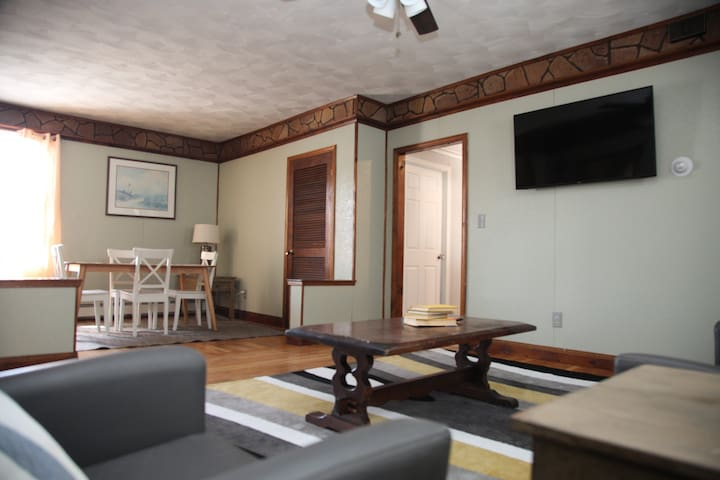 Spacious/Cozy Walk to DT PVD/Close to Everything