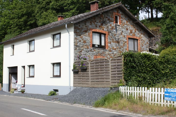 B&B Maison Ardennaise Chambre 2p - Houffalize - Bed & Breakfast