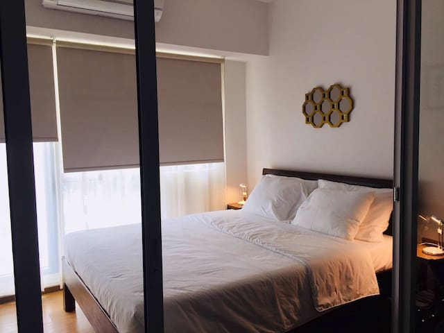 Modern and Cozy 1 bedroom unit with Fibre Internet