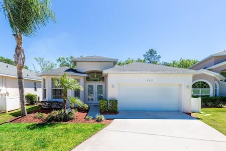 Home near Disney 4br with pool