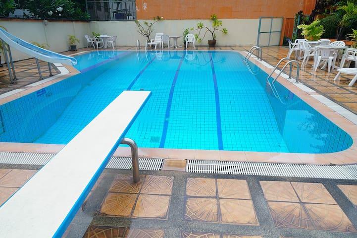 Sukhumvit 31 sawasdee villa pool Dormitory room