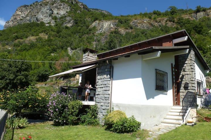 Chatillon : Maison avec vue sur la montagne