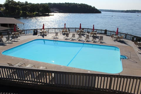 AJ Lake Condo Waterfront *Lake Life Living*