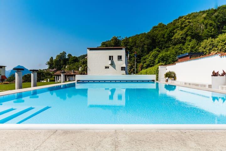 Hübsche Ferienwohnung mit Schwimmbad (mit Hund) - Capriasca - Appartement