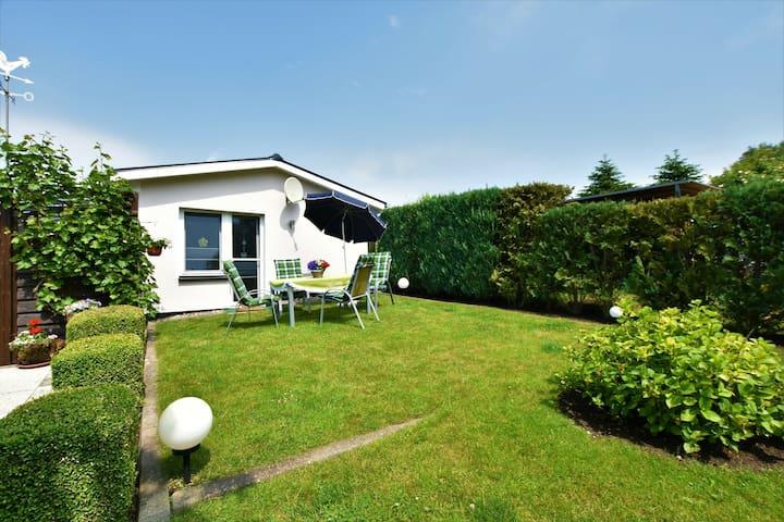Modern Bungalow in Warnkenhagen with Garden