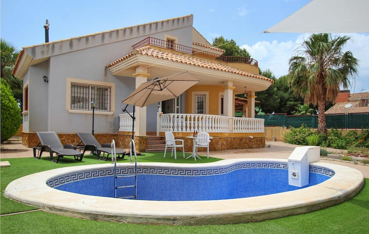Holiday cottage with 3 bedrooms on 185m² in Playa Honda, Cartagena