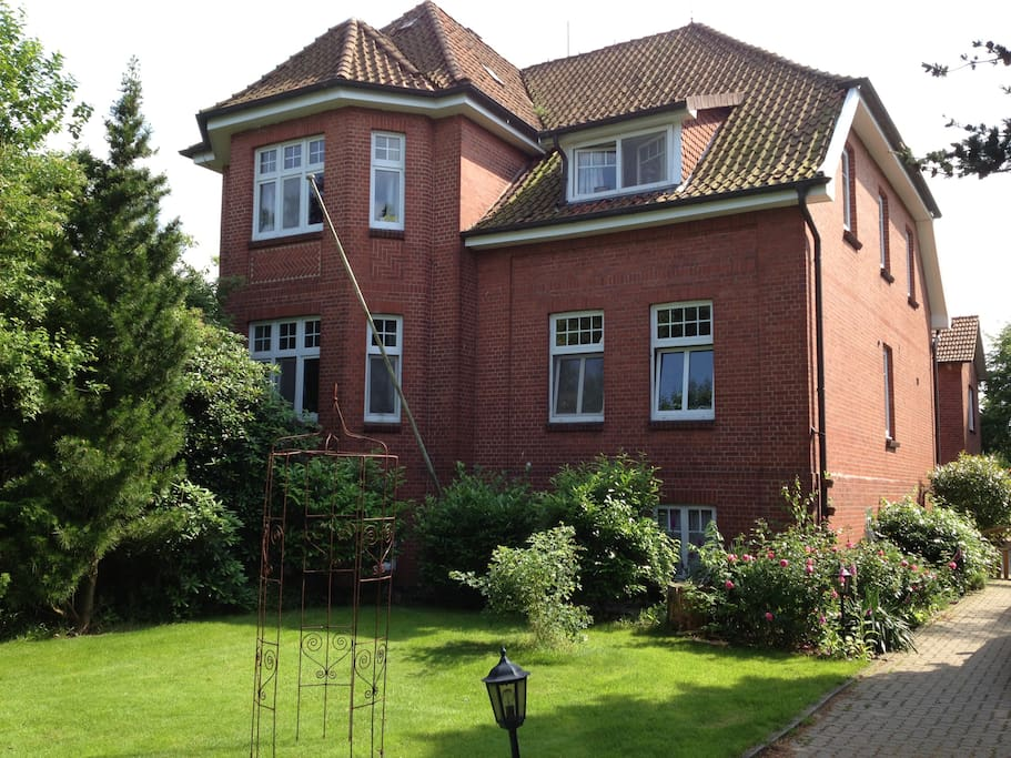 Jork hamburg germany houses for rent in jork for Big houses in germany