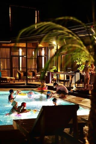 小島綠墅villa淡季10人包棟專案