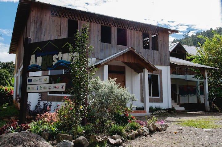 Angostura Eco Lodge,  montaña y río,  Hab. 2 camas