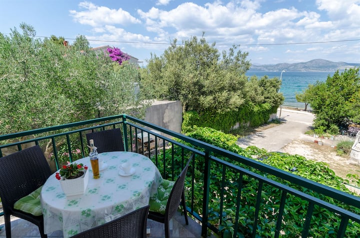 One bedroom Apartment, seaside in Drace, Terrace