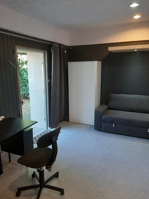 Brand new studio with a great access to the city
