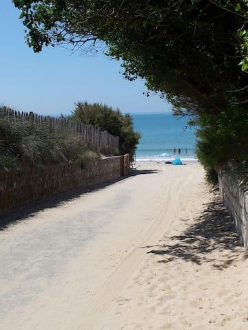 Chambre double près de la plage
