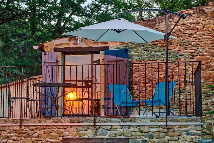 Old stonebuilt Provencale 'Mas', swimmingpool Barr