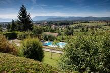 Maison dans parc arborée avec piscine chauffée et vue panoramique sur le Vercors et la Chartreuse