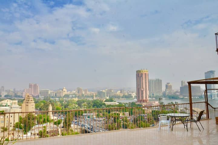 Small apartment direct to the Nile with Marinas
