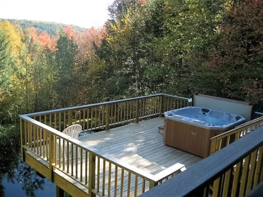 Deck with six person hot tub
