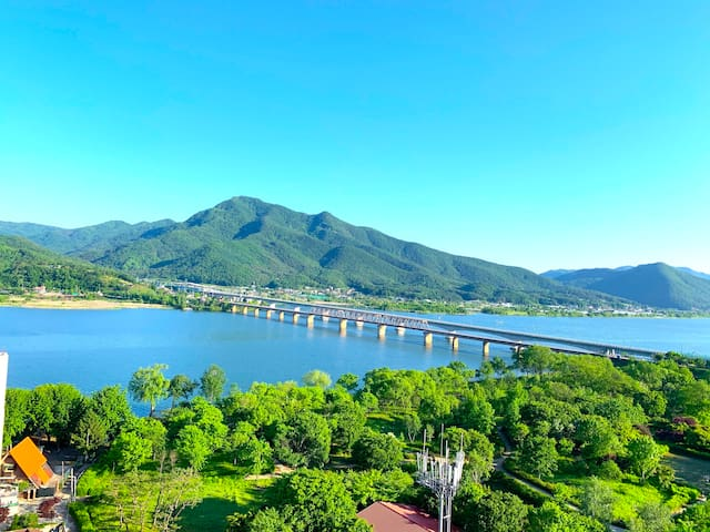 Cozy apartment surrounded by River & mountain(3인실)