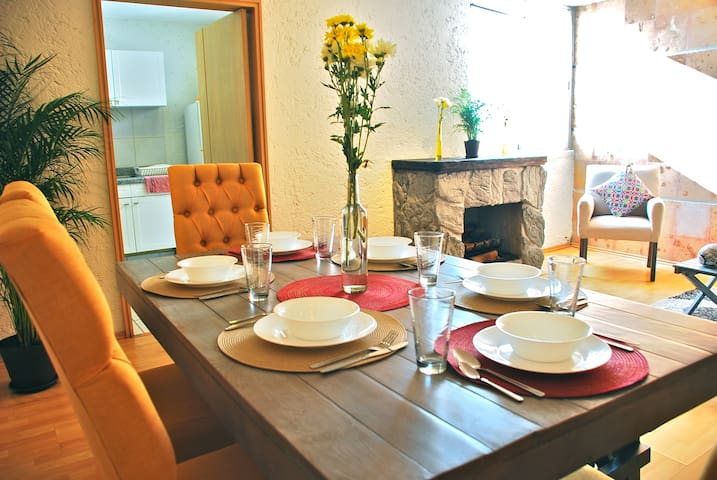 QUIET apt in the HOTTEST spot @ CONDESA 6 guests