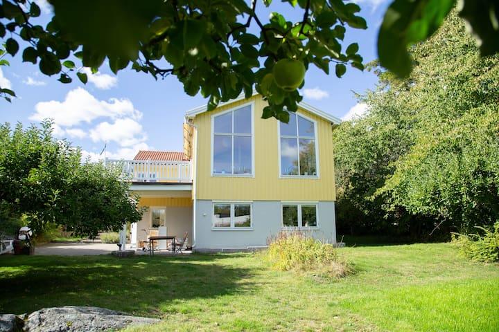 Unik villa med högt läge i Saltsjö-Duvnäs