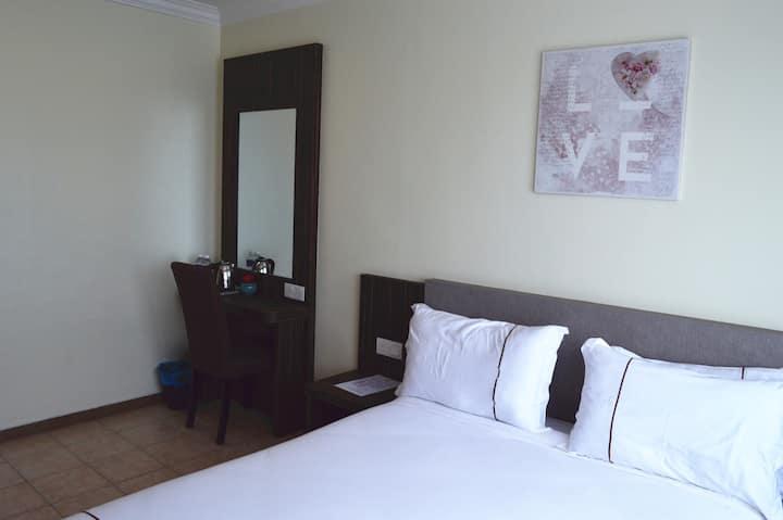 Angsoka Hotel Teluk Intan Deluxe Queen 210