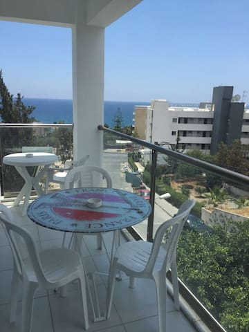 3 Bedroom Apt with Sea View Near Four Season hotel