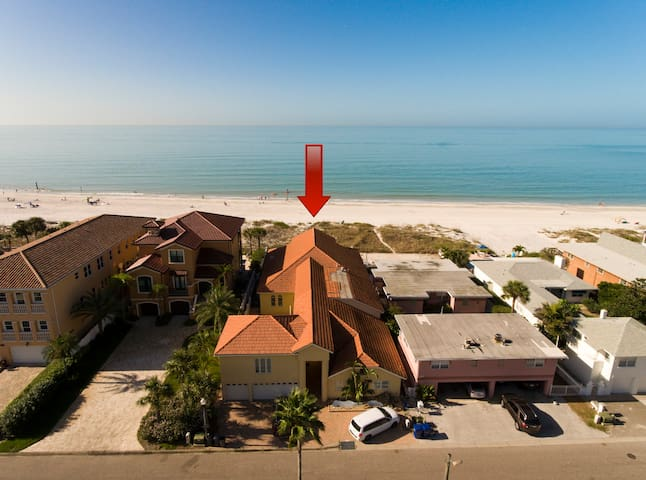 Beachfront Getaway - Palazzo al Mar - Redington Shores - Huis