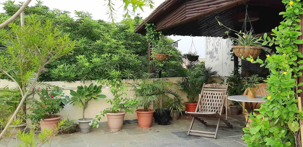 ★ Awesome ★1BR with terrace,kitchen , LOCATION :)