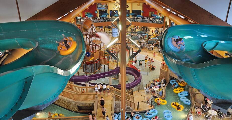 Wilderness Resort/Glacier Canyon 2BR condo - Wisconsin Dells - Timeshare (právo užívat zařízení pro ubytování na stanovený časový úsek během roku na mnoho let dopředu - minimálně 3 roky)