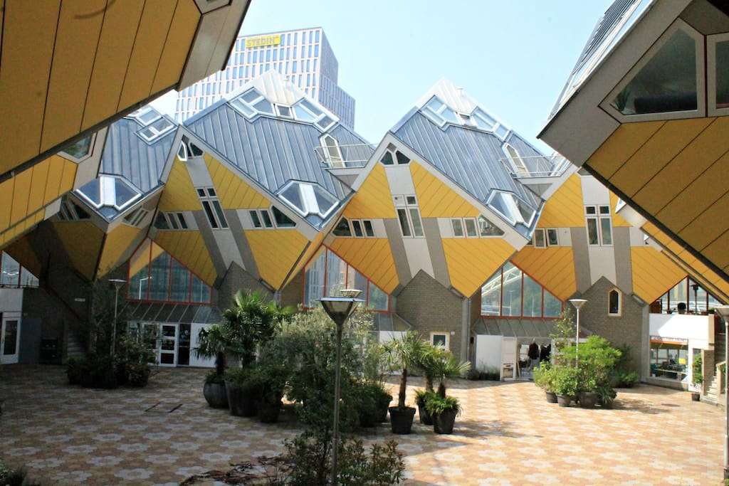 Modern cube house in rotterdam centre maisons louer - Maison d architecte cube houses rotterdam ...