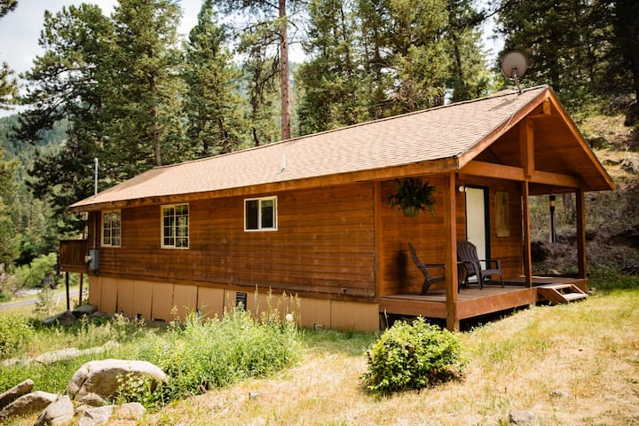 Cedar-sided cabin in a secluded pine forest.  Private entrance away from street.